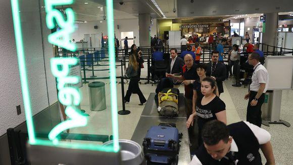 Airport-TSA-CHECKPOINT